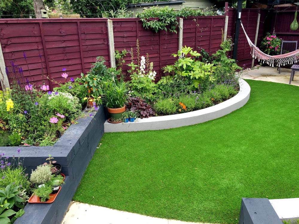 Modern Terrace Back Garden - Hunter Gardens